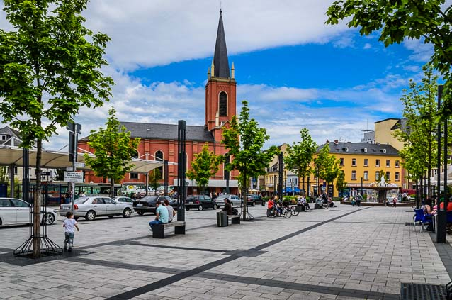 Foto: Bahnhofsvorplatz in Limburg a.d. Lahn