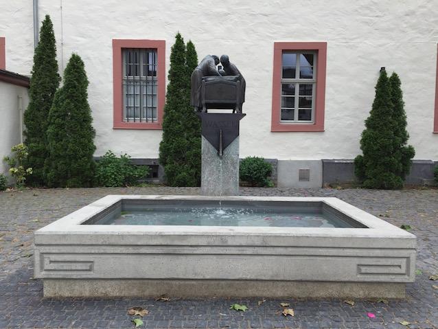 Foto: Georgs Brunnen - Brüderhaus