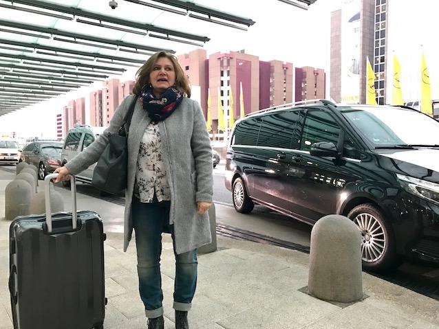Carmen am Frankfurter Flughafen