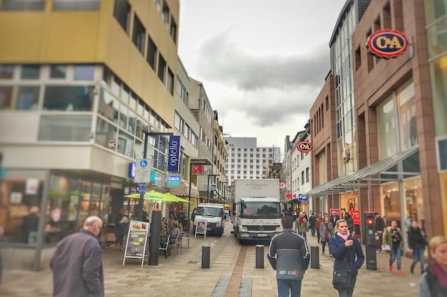 Parkende Fahrzeuge in der Werner-Senger-Straße