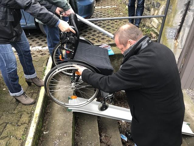 Zugänglichkeit mit einem Rollstuhl