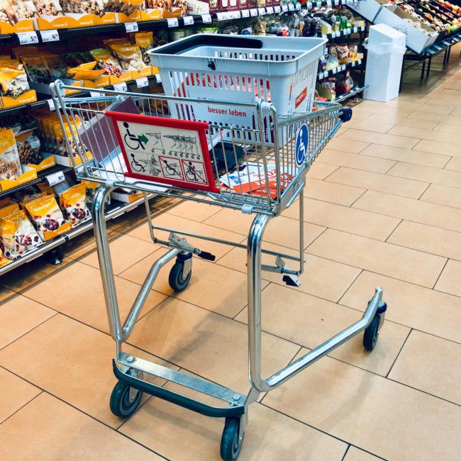 Einkaufswagen für Rollstuhlfahrer