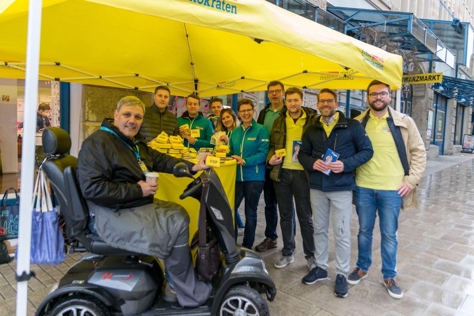 Infostand der FDP zur EU-Wahl