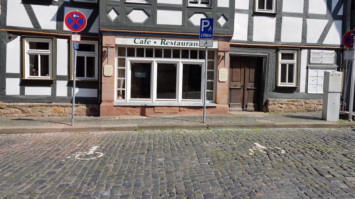 Alsfeld verfügt über Behindertenparkplätze in der Altstadt