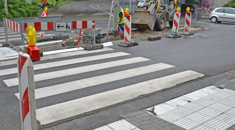 Limburg: Ohne Barrieren über die Straße